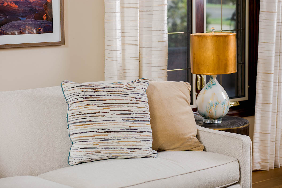 couch-accent-pillows-interior-design