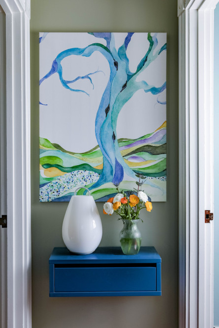 entryway-accessory-table-vase-art